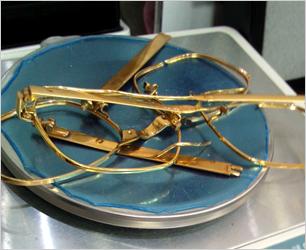 金製の眼鏡フレーム